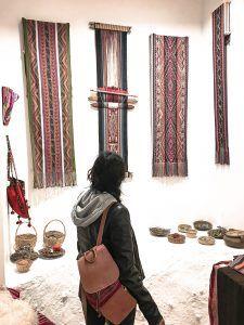 Waist loom - backstrap loom - Peruvian telar Why I change fast fashion for ethical fashion Moving To China, Peruvian Textiles, Fast Fashion Brands, Adventure Style, Fair Trade Fashion, Ethnic Fashion, Change, My Style, Loom