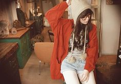 I need to find a sweater and hat like that D: