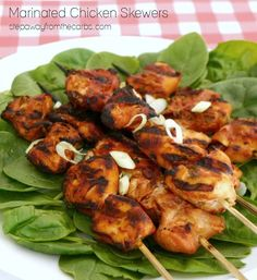 Marinated Chicken Skewers - a low carb recipe featuring soy sauce, tomato, and thyme. Perfect for grilling! Low Carb Summer Recipes, Best Low Carb Recipes, Banting Recipes, Low Carb Dinner Recipes, Paleo Recipes, Chicken Skewers, Marinated Chicken, Low Carb Diet, Grilling Recipes