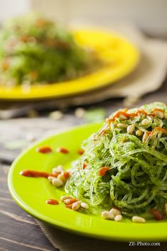 Recipe for kelp noodles with cilantro pesto and toasted pine nuts. Vegan and gluten-free. Raw Vegan Recipes, Vegetarian Recipes, Healthy Recipes, Cooking Recipes, Paleo, Cooking Time, Healthy Meals, Yummy Recipes, Healthy Food