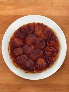 Ανάποδη τάρτα μήλου(Tarte tatin) Waffles, Breakfast, Recipes, Food, Meal, Eten, Recipies, Meals, Waffle