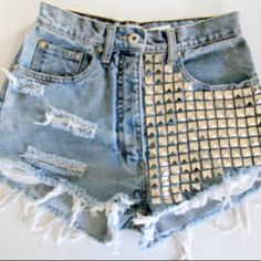 I want these high rise shorts. <3