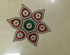 Kundan Rangoli Rangoli Designs Diwali, Diwali Rangoli, Acrylic Rangoli, Beaded Mirror, Diwali Craft, Baby Blessing, Colored Sand, Henna, Paisley