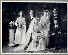 Newlyweds Kitty and Tony with their wedding party, 1910 Edwardian Wedding Vintage Wedding Photos, Vintage Bridal, Wedding Pics, Wedding Styles, Vintage Weddings, Unique Weddings, Real Weddings, Wedding Wear, Wedding Attire