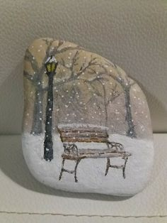 Pebble Painting, Pebble Art, Stone Painting, Painted Garden Rocks, Hand Painted Rocks, Art Drawings For Kids, Bird Drawings, Caillou Roche, Painted Rock Animals