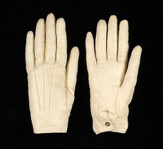 White leather evening gloves, 1848. French. These look like men's gloves and while they have a post-Regency date I've added them to compare/contrast how men's gloves are similar to women's and how later gloves compare to earlier gloves.