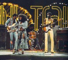 Rufus featuring Chaka Khan performing on Soul Train, Soul Train Dancers, Musica Disco, Funk Bands, Chaka Khan, Vintage Black Glamour, Old School Music, Soul Funk, Disco Party, Soul Music