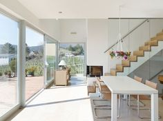 Essen | hinten: Wohnen - Wohnhaus am Kieselberg Style At Home, Stair Gallery, Modern Stairs, House Stairs, Malm, Home Fashion, My House, Interior, Furniture