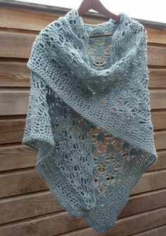 GB shawl. Bestaand diagram bewerkt, zelf rand bedacht (Annie G2) Crochet Shawls And Wraps, Knitted Shawls, Crochet Scarves, Crochet Clothes, Crochet Lace, Crochet Stitches, Free Crochet, Easy Crochet Projects, Shawl
