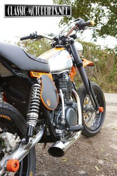 Yamaha XT 500 Supermoto by Dave Newitt