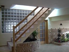 baños con bloques de vidrio y luces - Buscar con Google Glass Blocks, Interior Exterior, Decoration, Terrace, Stairs, Indoor, House Design, Patio, Home Decor