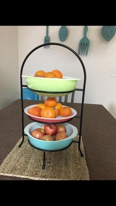 I need this holder! Glass Kitchen, Diy Kitchen, Vintage Pyrex, Vintage Kitchen, Corelle Ware, Pyrex Display, Pink Pyrex, Pyrex Bowls, Base
