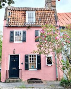 581 Likes, 84 Comments - cassandra lavalle Old Style House, Winter Photos, Gal Meets Glam, Exterior, Pink Houses, Travel List, Beautiful Buildings, How To Clean Carpet, House Painting