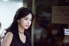 tzuyu is a transfer student to BH University. her new roomate is jungkook. tzuyu may seem like a tough cookie but inside, she really is different. Nayeon, K Pop, Korean Beauty, Asian Beauty, Asian Woman, Asian Girl, Twice Tzuyu, Sana Momo, Hair