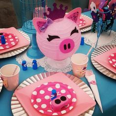 Little piggy 1st birthday party theme setup