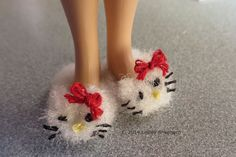 How to make fuzzy animal slippers to fit any doll.