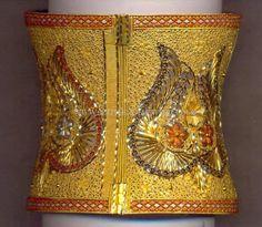 Gold Bangle Designs, 22K Gold Huge Bangle Models, Latest Gold Big Bangle Designs. Gold Jewellery Design, Gold Jewelry, Gold Bangles, Bangle Bracelets, Gold Kangan, Anklet Designs, Jewelry Patterns, Indian Jewelry, Wedding Jewelry