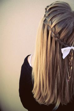 Waterfall braid done perfectly. Waterfall braid done perfectly. Waterfall braid done perfectly. Pretty Hairstyles, Braided Hairstyles, Wedding Hairstyles, Style Hairstyle, Amazing Hairstyles, Hairstyle Ideas, Plaited Hairstyle, Glamorous Hairstyles, Hairstyle Photos