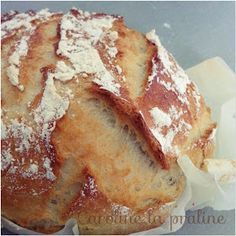 Caroline La Praline: Pain cocotte (thermomix) Plus Pain Thermomix, Thermomix Bread, Thermomix Desserts, Cooking Bread, Cooking Chef, Cooking Recipes, Vegan Recipes, Tupperware, Cuisine Diverse