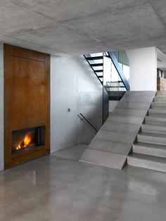 Glaselemente schaffen Weite. #homestory #interior #design #architecure #Riba #house
