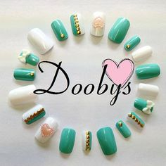 Doobys - Short Mint Gold Studs - 20 Hand Painted False Nails