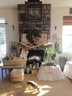 Cottage Christmas, Mantels, Cottage Homes, Fireplaces, Seaside, Table Decorations, Furniture, Home Decor, Log Fires