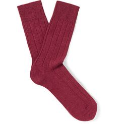 Falke's 'Lhasa' socks are knitted with touches of the finest wool and cashmere for the softest handle. In a rich claret hue, they're constructed with reinforced heels and toes to withstand daily wear and tear. Wear them on days off or to the office.