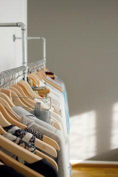 44 Likes - Entdecke das Bild von Hanno auf COUCHstyle zu 'Garderobe aus Stahlrohr #DIY #designergarderobe'.