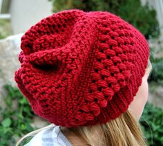 slouchy beanie (love the color and pattern) Crochet Cap, Crochet Girls, Hand Crochet, Crochet Slouchy Beanie, Knitted Hats, Knitting Patterns, Crochet Patterns, Beanie Pattern, Yarn Crafts