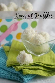 Bunny Tails! These super easy Coconut Truffles make a great Easter treat. From JensFavoriteCookies.com