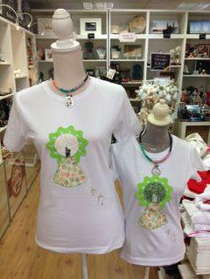Camisetas en diferentes tallas y colores Zaragoza Olé Souvenirs.