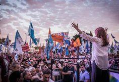 @CFKARENTINA LANZA SU PROPIO ESPACIO KIRCHNERISTA EL 7 DE DICIEMBRE    Después no digan que no les avisamos A 363 días de abandonar de la presidencia con una plaza pletórica de argentinos agradecidos publica el portal Grupo La Provincia que la presidenta mandato cumplido Cristina Fernandez de Kirchner planea reagrupar a los suyos de cara al 2017 con un acto presentando la CFK (Convocatoria Federal Kirchnerista). La fecha elegida es el 7 de diciembre y si bien no hay nada confirmado…
