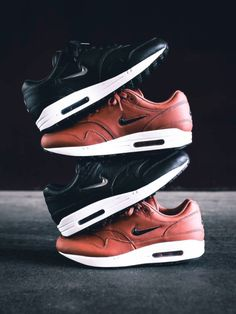 bf7e72adcd2 Nike Air Max 1 Jewel (by thegoodwillout) Hardlopen Gympen, Air Max 1,