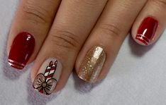 The advantage of the gel is that it allows you to enjoy your French manicure for a long time. There are four different ways to make a French manicure on gel nails. Xmas Nails, Holiday Nails, Christmas Nails, Simple Christmas, Christmas Wreaths, Christmas Decorations, Nail Art Noel, November Nails, Nails Only