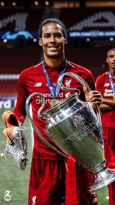 Ynwa Liverpool, Salah Liverpool, Liverpool Players, Manchester United Football, Liverpool Football Club, Liverpool Tattoo, England Football Players, Best Football Players, Football Boys