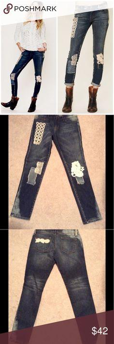 Free People Artisan De Luxe Jeans Semi distressed, random crochet patch design. Waist 27, inseam 30 like new Free People Jeans Skinny