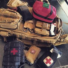 Click the picture to see the top vital survival tools of this decade ⚔️. The greatest survival gear hacks, bushcraft camping gear, and doomsday prepping gear Tactical Equipment, Tactical Bag, Cool Tactical Gear, Tactical Knives, Survival Tools, Survival Prepping, Emergency Preparedness, Get Home Bag, Combat Medic