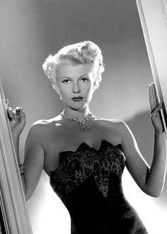 Rita Hayworth │The Lady from Shanghai, 1947