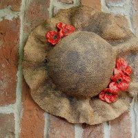 Kachle, reliéfy / Keramika | Fler.cz Pottery Animals, Ceramic Birds, Clay Projects, Stoneware, Decoupage, Diy Crafts, Ceramics, Painting, Home Decor