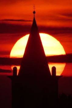 Sonnenuntergang in Parndorf Paris, Hungary, Austria, Buddha, Morocco, Sunset, Montmartre Paris, Paris France