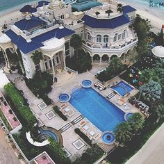 "Luxury Homes Interior Dream Houses Exterior Most Expensive Mansions Plans Modern 👉 Get Your FREE Guide ""The Best Ways To Make Money Online"" Mega Mansions, Mansions Homes, Luxury Mansions, Celebrity Mansions, Celebrity Houses, Dream Mansion, Florida Mansion, Luxury Homes Dream Houses, Luxury Houses"