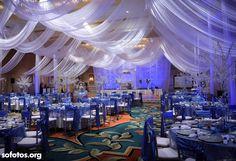 Ideia de decoração para teto de salão de casamento