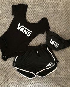 3 Piece Vans Short Set 3 Piece Vans Short Set Comes with Tank Top, Shorts, Fanny Pack Comes in XS - Vans Shorts Lazy Outfits, Teen Fashion Outfits, Sporty Outfits, Teenager Outfits, Swag Outfits, Dope Outfits, Cute Summer Outfits, Outfits For Teens, Trendy Outfits