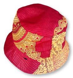 Cream & Cerise Reversible Bucket Hat Size : 35 cm x 21 cm Weight : 50 g Washable : Yes Fabric : Cotton Hand Made Hat Sizes, Bucket Hat, Cream, Hats, Fabric, Cotton, Handmade, Creme Caramel, Tejido