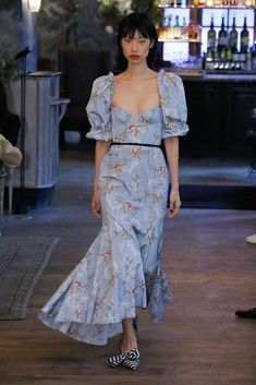 Brock Collection Spring 2019 Ready-to-Wear Fashion Show Collection: See the complete Brock Collection Spring 2019 Ready-to-Wear collection. Look 26 Trendy Fashion, Runway Fashion, Vintage Fashion, Fashion Looks, Street Fashion, Feminine Fashion, Fashion Show Dresses, Fashion Outfits, Dress Fashion