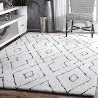 Looking for nuLOOM Lauren Lattice Shag Rug, x White ? Check out our picks for the nuLOOM Lauren Lattice Shag Rug, x White from the popular stores - all in one. Plush Area Rugs, Area Rugs For Sale, Rugs Usa, Modern Area Rugs, White Area Rug, White Rugs, Black White Rug, Yellow Rugs, Neutral Area Rug