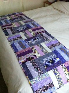 Elegant Bed Runner Quilt Patterns Bed Runner Quilt Patterns - This Elegant Bed Runner Quilt Patterns wallpapers was upload on August, 16 2019 by admin. Here latest Bed Runner Quilt Pat. Jellyroll Quilts, Lap Quilts, Small Quilts, Mini Quilts, Quilt Blocks, Table Runner And Placemats, Table Runner Pattern, Quilted Table Runners, Bed Runner