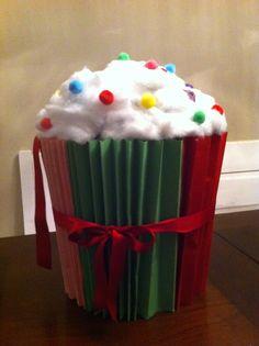 Surprise cupcake knutsel Reborn Dolls, Reborn Babies, Baby Dolls, Homemade Christmas Crafts, Newspaper Basket, Cardboard Art, Air Dry Clay, Paper Clay, Paper Beads
