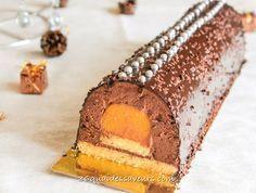 Bûche mousse au chocolat et grué de cacao coeur de clémentine