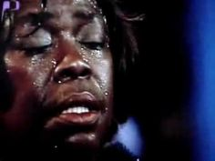 """Sarah Vaughan performs """"Send in the Clowns"""" in Montreal 1983"""